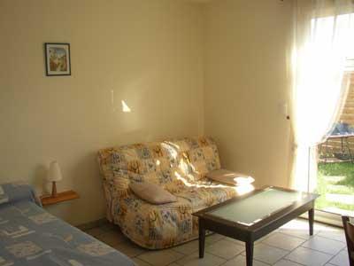 location studio maison meubl e rochefort sur mer pour vacances cure en charente maritime. Black Bedroom Furniture Sets. Home Design Ideas